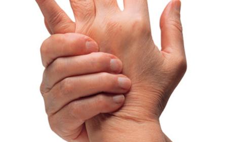 LOS AJUSTES VERTEBRALES AUMENTAN EN UN 100% LA ROTACIÓN DE LAS CERVICALES SUPERIORES EN 10 CASOS DE OSTEOARTRITIS